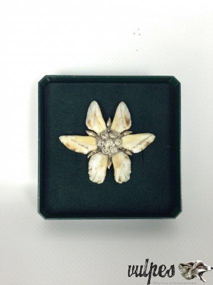 Poľovnícky šperk na pripnutie (diviače zuby, striebro), č.v.:001
