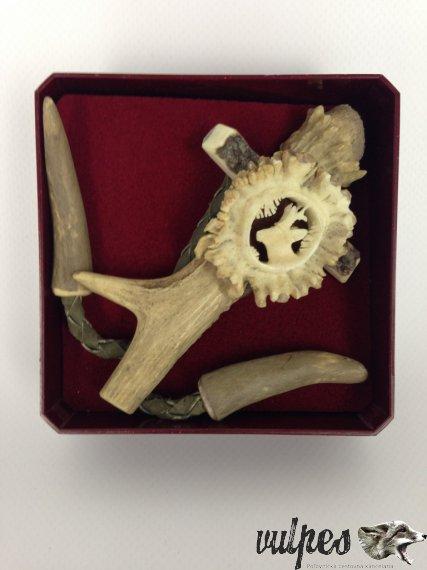 Poľovnícka kravata (vyrezávaná ružica srnec)