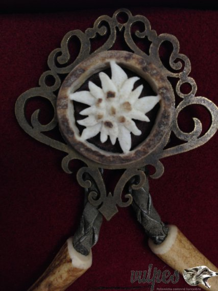 Poľovnícka kravata (vyrezávaný paroh plesnivec)